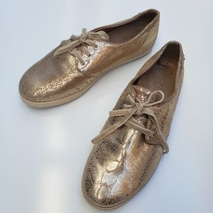 Vionic gold sneaker leather snakeskin palmero sz 9